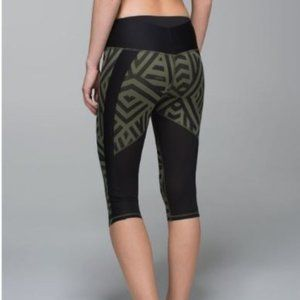 Lululemon Chevron Fatigue Clip-In Crop Green 4